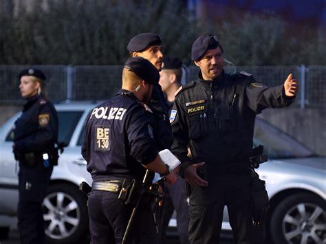 Sportwagenfahrer Ueber Die Polizei by Bezirk Floridsdorf 1210 Wien Nachrichten Aus Dem 21
