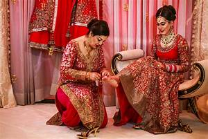 11 stylish indian bridal red dress latest images hd for Red indian wedding dress
