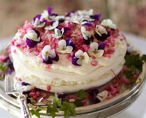 parsemez votre repas de mariage de fleurs comestibles