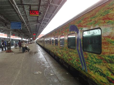 Delhi To Mumbai Train Duronto Express Wikipedia