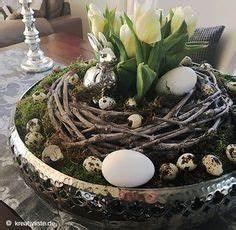 Schale Dekorieren Frühling : osterdeko basteln mit tulpen moos kranz und eiern schale dekorieren pinterest easter ~ Cokemachineaccidents.com Haus und Dekorationen