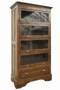 Meuble Avec Vitrine : meubles anciens avec des vitrines pour exposer des objets ~ Teatrodelosmanantiales.com Idées de Décoration
