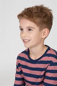 Coole Frisuren Für Jungs : die besten 25 kinderfrisuren jungen ideen auf pinterest kleinkind junge haarschnitt ~ Udekor.club Haus und Dekorationen