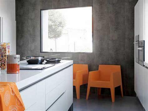 béton ciré plan de travail cuisine sur carrelage lambris pvc aspect beton cire dans cuisine ouverte