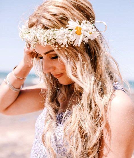beach bride s down bridal hair ideas toni kami flowers