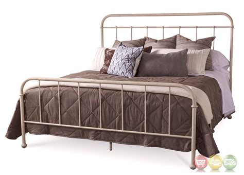 Williamsburg Queen Metal Frame Bed With White Distressed