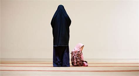 american muslims choosing  wear  veil poses