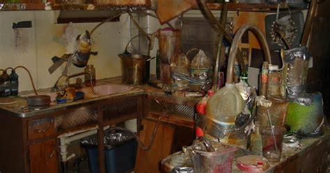 Criminals Arrested After Renting Their Meth-lab On Airbnb