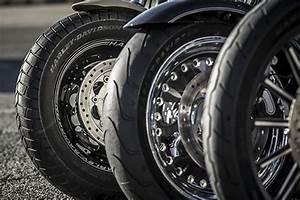 Pression Pneu Moto : quelle pression pour les pneus de votre harley davidson 6pack publishing ~ Medecine-chirurgie-esthetiques.com Avis de Voitures