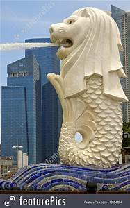 Merlion Statue By Singapore River Image