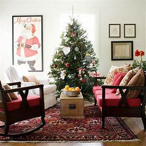 25 christmas living room design ideas for Living rooms decorated for christmas