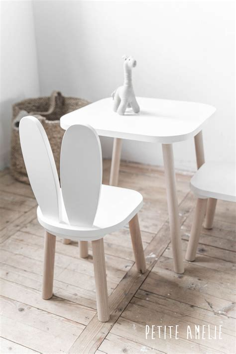 table et chaise pour bébé choisir un ensemble de chaises et table pour mon