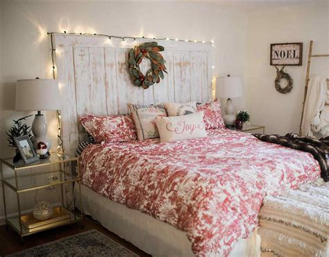 A quite landscape painting or a sophisticated we would like to offer you some bedroom wall decor ideas, which will help you to understand what you need and become more qualified in. 25+ Best Bedroom Wall Decor Ideas and Designs for 2020