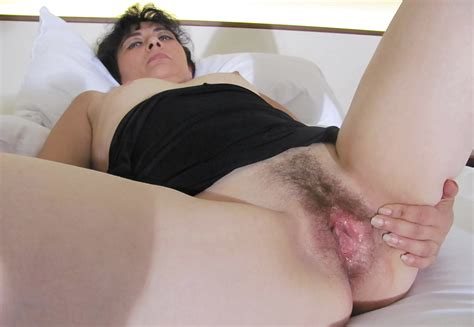 Hairy Mature Slut Playing With Her Pussy 16 Pics Xhamster