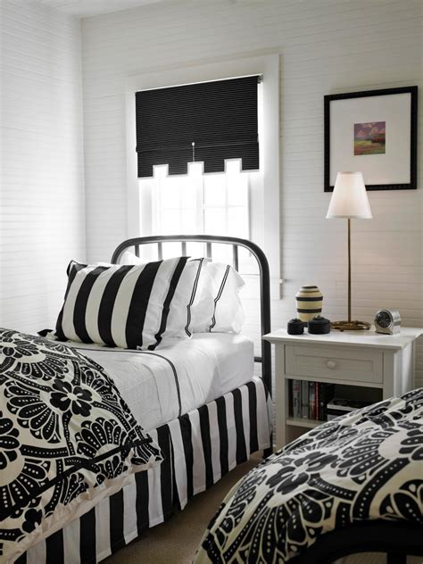 Black And White Bedrooms by 15 Black And White Bedrooms Hgtv