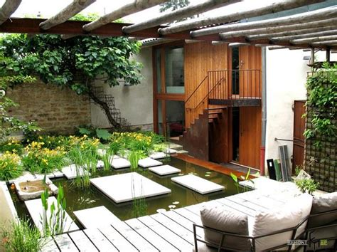Serene House With Courtyard Pond : Perfect Courtyard For Private House