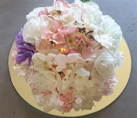 Ziedu galda dekors - Mākslīgo ziedu dekori, ziedu sienas - Iegādāties/Nomāt - dekore