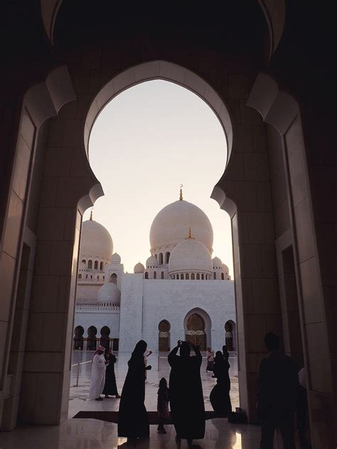 Golden Mosque Wallpaper by Abu Dhabi Luxury Stopover Guide Tweets World