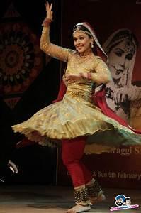 Acharya Chaubey Maharaj Mahotsav -- Hrishita Bhatt Picture ...