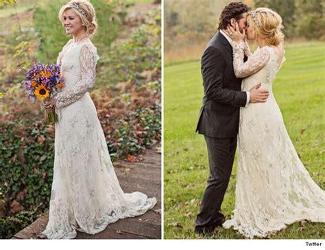 clarkson wedding dress clarkson is married see wedding dress toofab