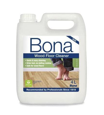 Bona Wood Cleaner ?non streaking? formulation leaves no