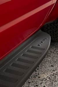 Durable, body-length Mopar off-road running boards feature