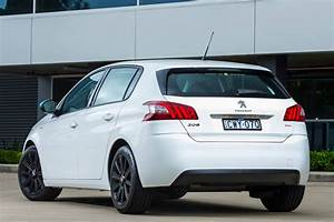 308 Peugeot 2015 : peugeot introduces total package 308 with extra features ~ Maxctalentgroup.com Avis de Voitures