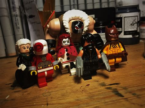 The World's Newest Photos Of Deadshot And Lego