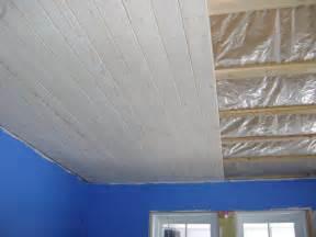 plafond chambre stunning plafond lambris salle de bain images seiunkel