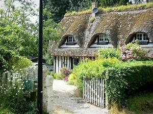 route des chaumieres maison a colombages au toit de With maison toit de chaume 6 les maisons typiques bretonnes