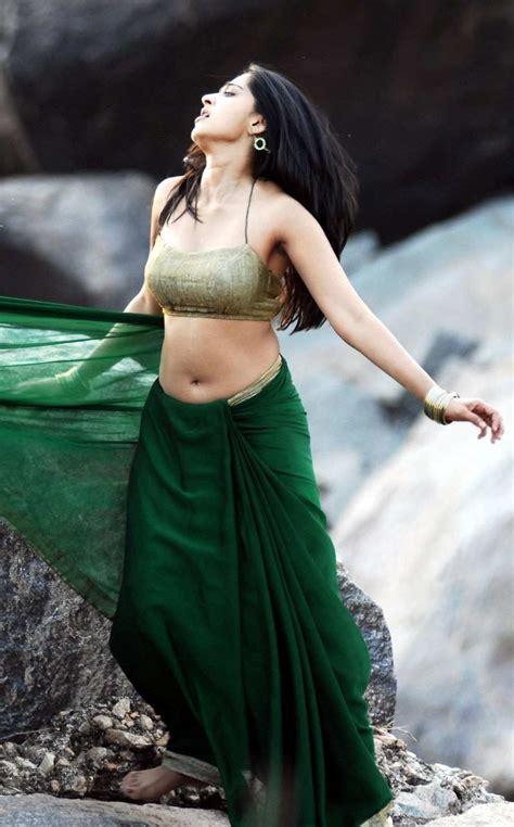 anushka shetty hot pics  saree  gallery