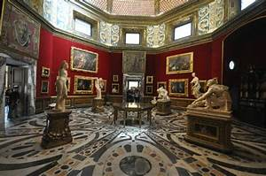 Interior of the Tribune, Uffizi Gallery - Picture of ...