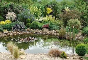 bassin pour jardin luavis des clients avec bassin With beautiful decoration d un petit jardin 1 comment installer un ruisseau ou une cascade au bassin