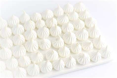how do you make meringue how to make perfect meringues truffles and trends