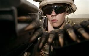 Women And Guns Wallpaper (245) - Military Wallpapers