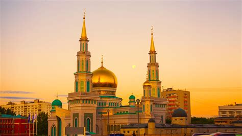 Golden Mosque Wallpaper by Free Picture Mosque Luxury Gold Tower Exterior