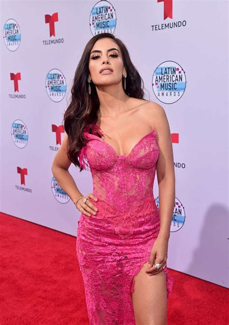 Hottest red carpet fashion from the Latin American Music ...