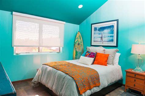 chambre plage une maison de surfeurs à la décoration intérieure et