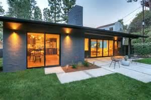 Modern Ranch Home Designs Ideas Photo Gallery by Stylish Modern Ranch In The Exuding A