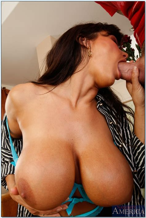 Busty Mature Teacher With Big Tits Lisa Ann Fucks In