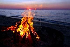 Campfire on the beach up north. | Favorites | Pinterest