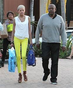 Forest Whitaker And Family Shopping In Malibu - Zimbio