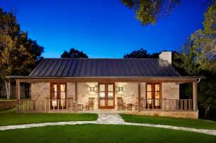 Country House Outdoor Pictures by Hill Country Retreat