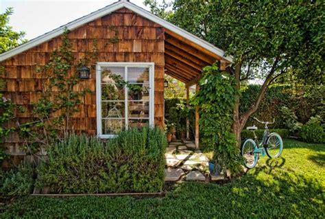 abris cuisine cing cabane de jardin en bois un abri esthétique