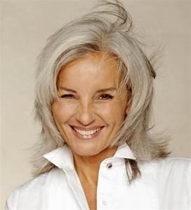 Coupe Cheveux Gris Femme 60 Ans : coupe cheveux gris femme 50 ans ~ Voncanada.com Idées de Décoration