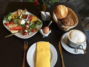 Allee Café Kassel : fr hst ck schloss wilhelmsh he bild von allee cafe kassel tripadvisor ~ Eleganceandgraceweddings.com Haus und Dekorationen