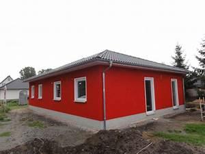 Holz Fertighaus Bungalow : holz fertighaus oder massivhaus ~ Markanthonyermac.com Haus und Dekorationen