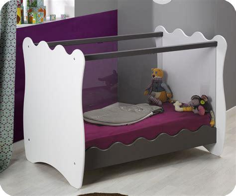 chambre bébé lit plexiglas lit bebe plexiglas avis
