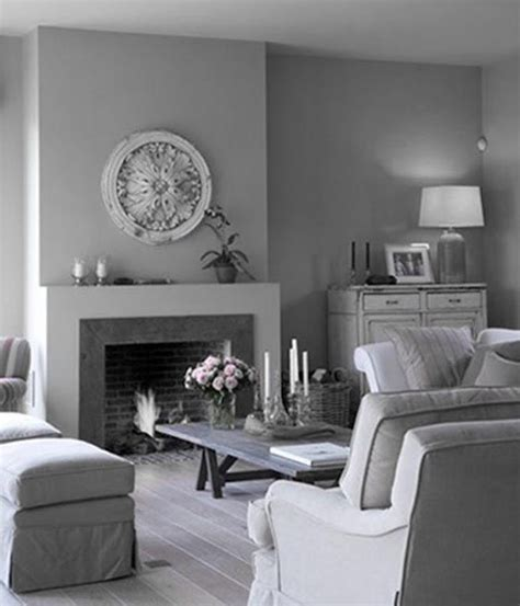 Living Rooms Decorated In Grey