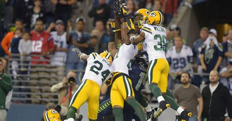 seahawks stun packers  controversial hail mary